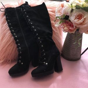 Awesome black lace up boots with chunky heels